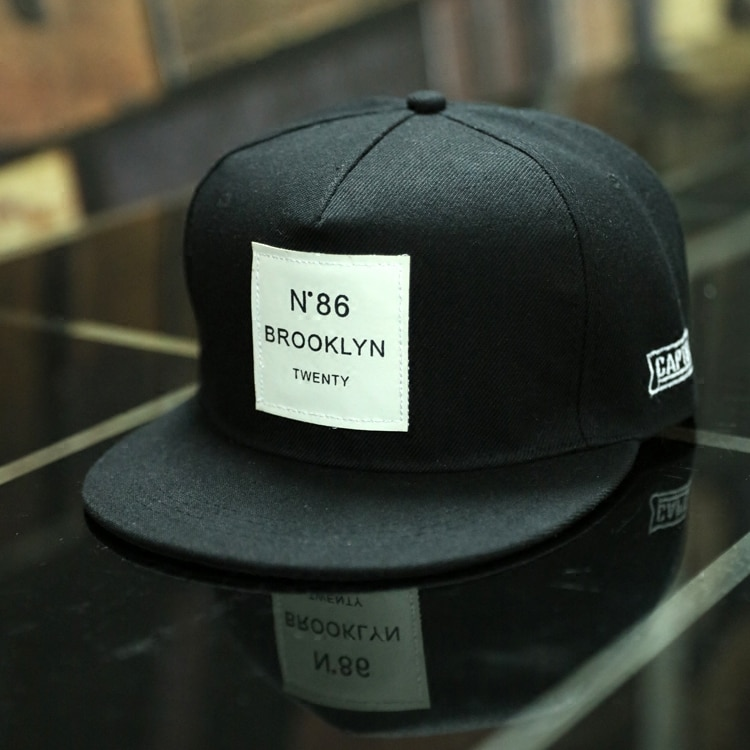2018 New Men Womens BROOKLYN Letters Solid Color Patch Baseball Cap Hip Hop Caps Leather Sun 1